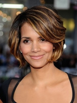Brown Halle Berry's Side Parting Wavy Celebrity Wig