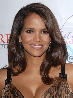 Elegant Halle Berry's Hairstyle Wavy Human Hair Wig