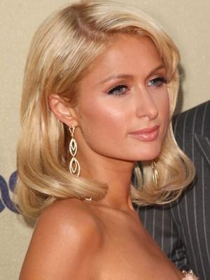Paris Hilton Marvelous Lace Front Wavy Synthetic Wig