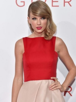 Taylor Swift Admirable Wavy Lace Front Synthetic Wig