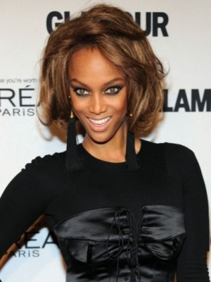 Tyra Banks Glamorous Lace Front Wavy Synthetic Wig