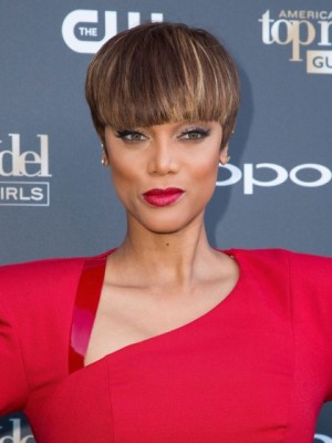 Tyra Banks Elegant Straight Lace Front Human Hair Wig
