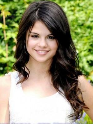 Beautiful Selena Gomez's Fashion Celebrity Wig