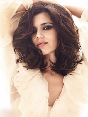 Cheryl Cole's Wavy Capless Celebrity Wig
