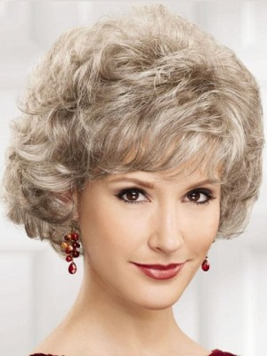 Short Gray Wig With Soft Waves