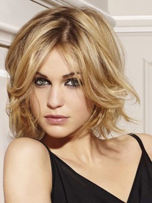 Classic Wavy Blonde Wig With Flying Ends