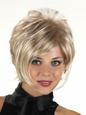 Pleasant Lightweight Capless Synthetic Wig