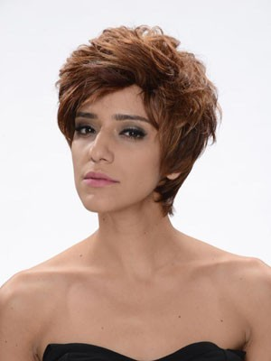 Striking Wavy Capless Synthetic Short Wig