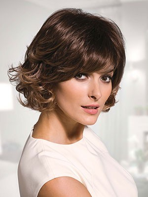Striking Synthetic Wavy Capless Wig