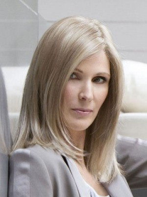 Nice-looking Synthetic Straight Lace Front Wig